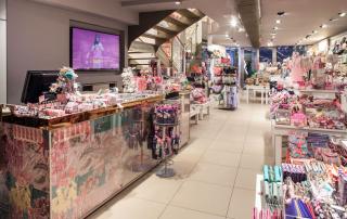 Fotografo interni negozio accessorize milano centrale